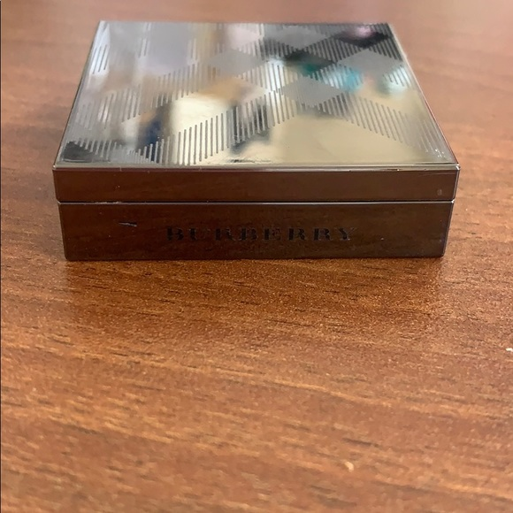 Burberry Other - Burberry Wet & Dry Silk Shadow